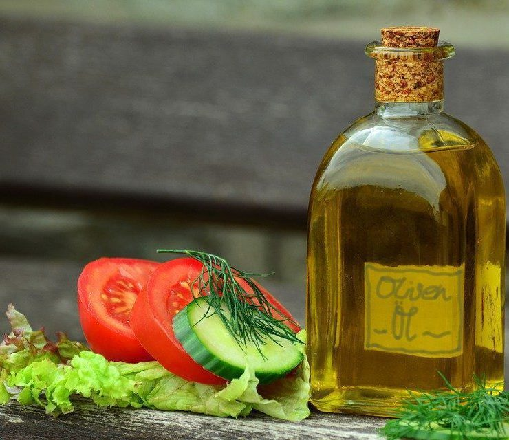 Вчені виявили, що для захисту мозку від деменції необхідно додавати у їжу оливкову олію