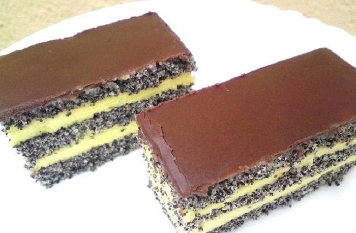 торт з маком і сметанним кремом