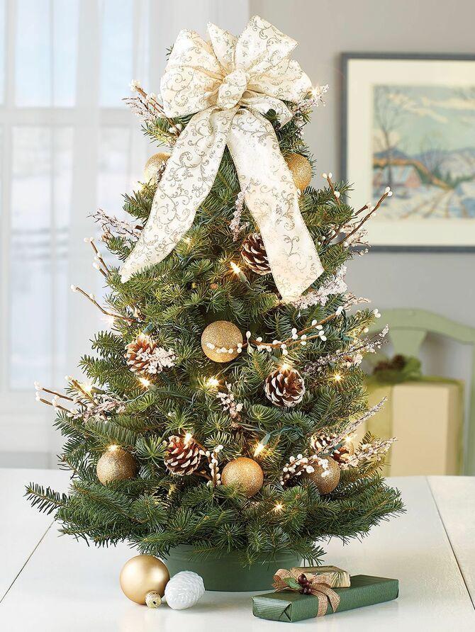 Різдвяний декор: 40 казкових ідей прикрашання маленької ялинки 29