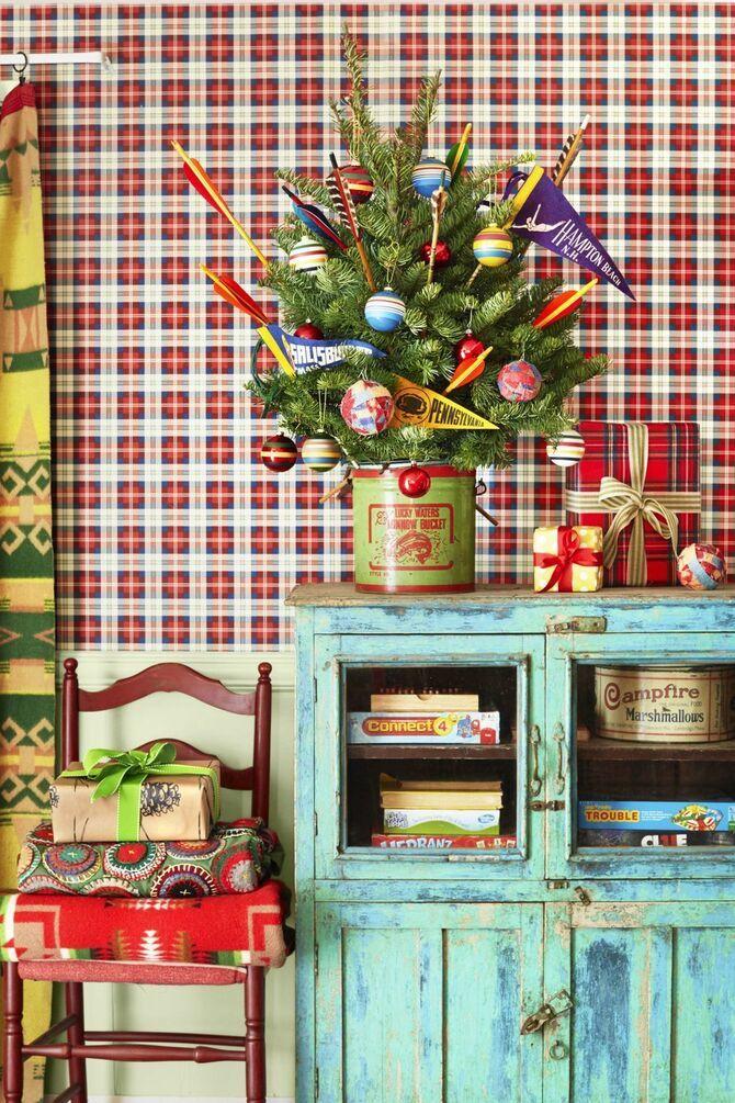 Різдвяний декор: 40 казкових ідей прикрашання маленької ялинки 22