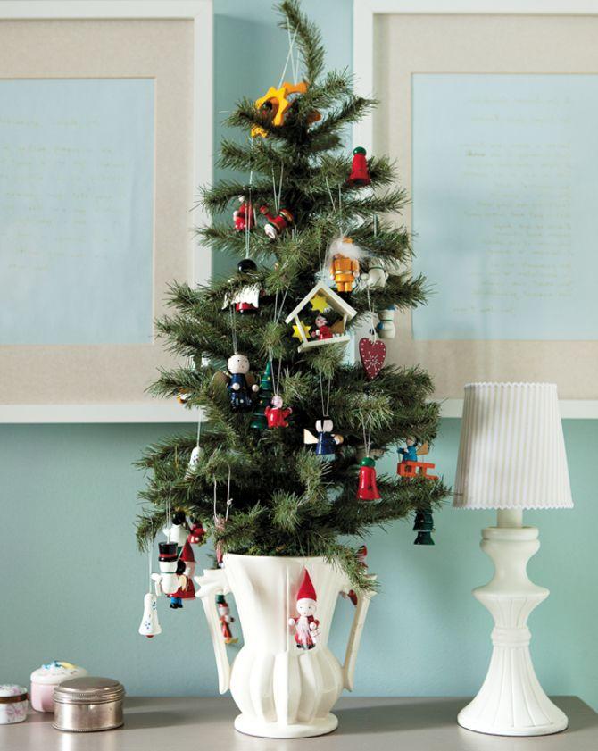 Різдвяний декор: 40 казкових ідей прикрашання маленької ялинки 37