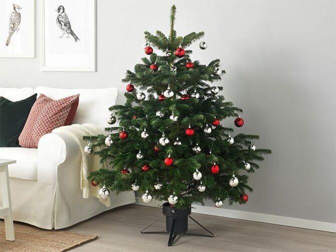 Різдвяний декор: 40 казкових ідей прикрашання маленької ялинки 39