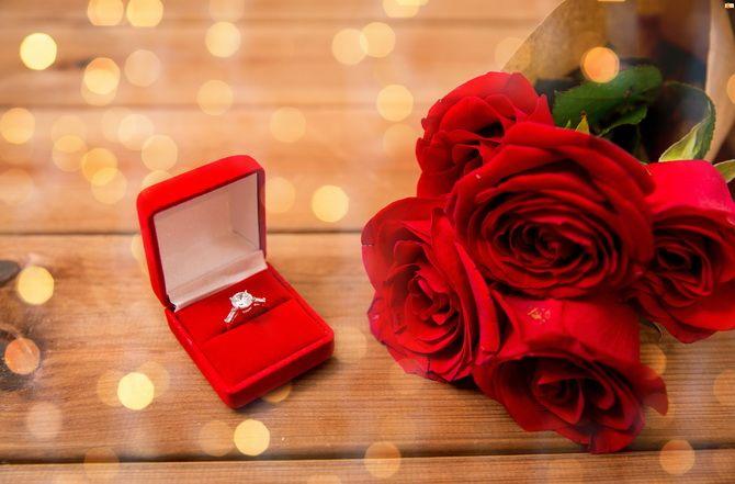 перстень с діамантом