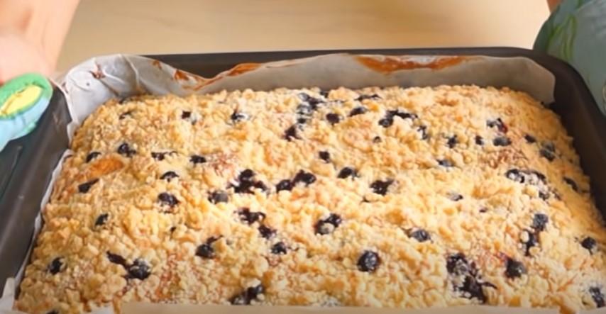 Пишний і ароматний десерт для сім'ї. Пиріг з ягодами: набагато смачніше торта